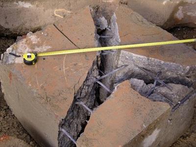 16 frantumazione con esplosivo di cemento armato