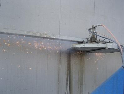 25 la lama taglia il cemento ed il ferro con precisione