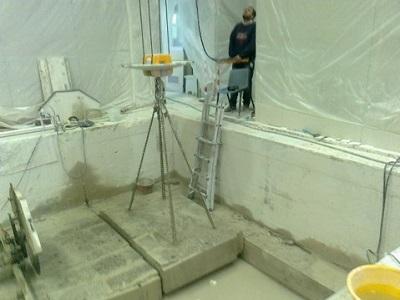 7 sollevamento del blocco di cemento tagliato con il filo diamantato