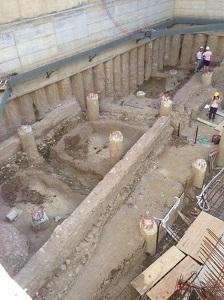 2 scavo di mura romane