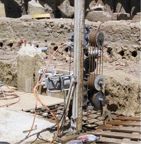 4 taglio a filo alla base del reperto archeologico